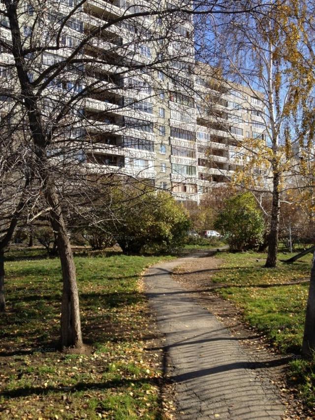 Адрес(а) на фотографии: улица Большакова, 13, Екатеринбург