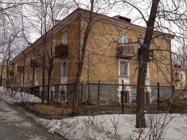 Адрес(а) на фотографии: улица Старых Большевиков, 12, 13, Екатеринбург