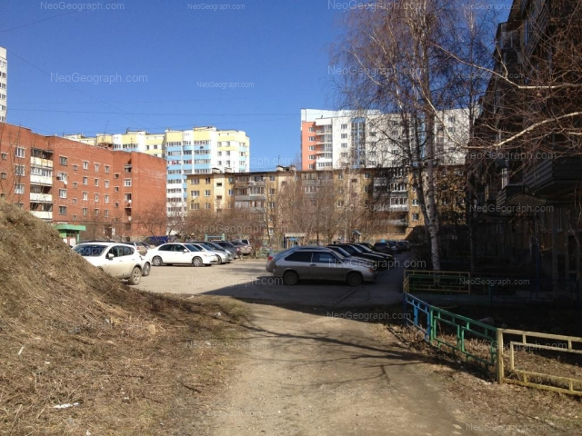 Адрес(а) на фотографии: улица Пехотинцев, 2/1, 2/2, 2/3, 3/3, 3/4, Екатеринбург