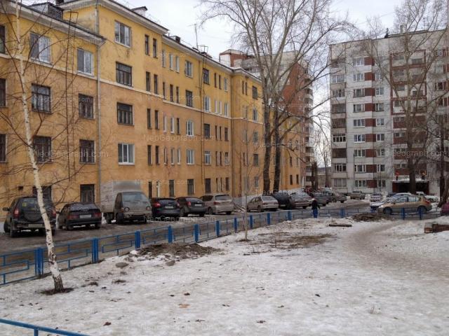 Адрес(а) на фотографии: улица Крупской, 6, Екатеринбург