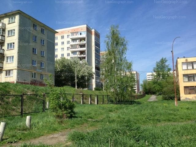 Адрес(а) на фотографии: Бисертская улица, 22, 25, 26, 27, 28, 30, Екатеринбург