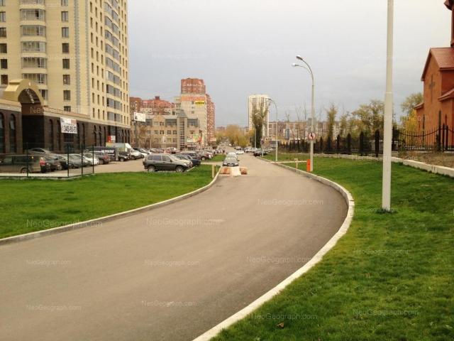 Адрес(а) на фотографии: улица Белинского, 86, 91, Екатеринбург