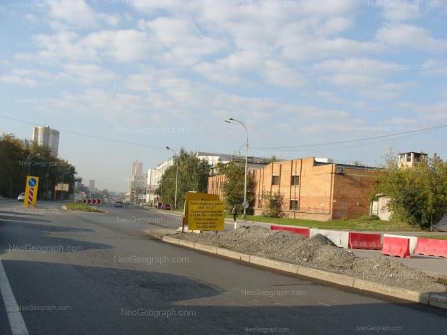 Адрес(а) на фотографии: улица Серафимы Дерябиной, 16а, Екатеринбург