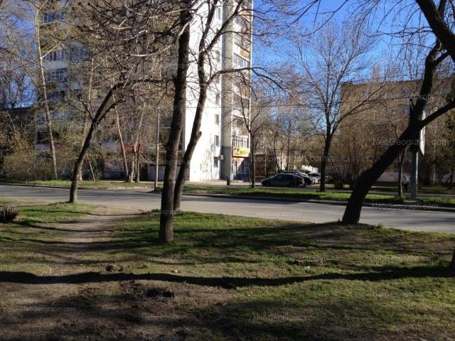 Address(es) on photo: Shaumyana street, 90, 92, Yekaterinburg