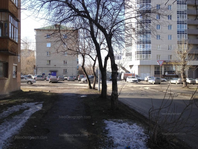 Адрес(а) на фотографии: улица Папанина, 18, 18Б, Екатеринбург