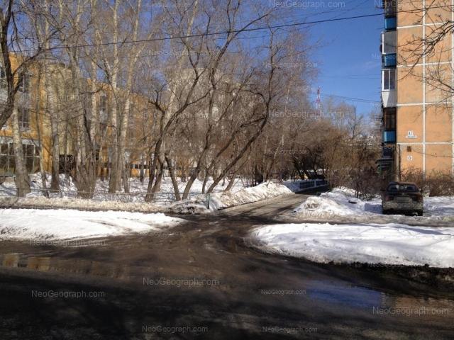 Адрес(а) на фотографии: улица Пальмиро Тольятти, 19, Екатеринбург