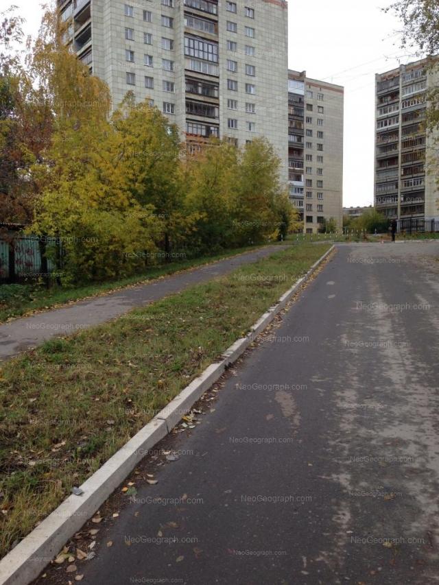 Адрес(а) на фотографии: улица Токарей, 60 к3, 62, 64, Екатеринбург