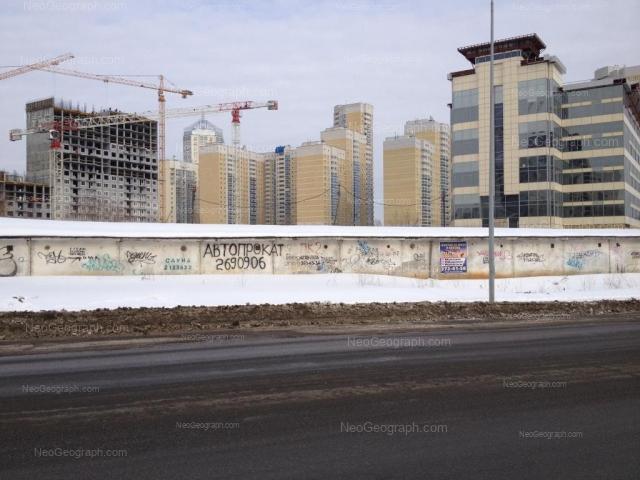 Адрес(а) на фотографии: Комсомольская улица, 76, 78, Екатеринбург