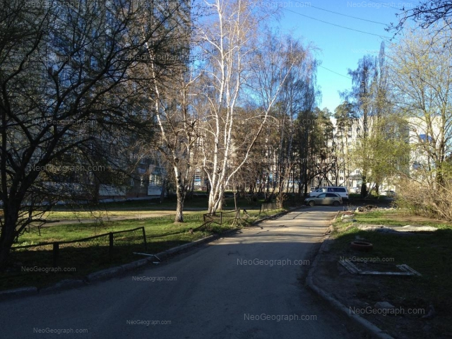 Адрес(а) на фотографии: Волгоградская улица, 184, 187, Екатеринбург