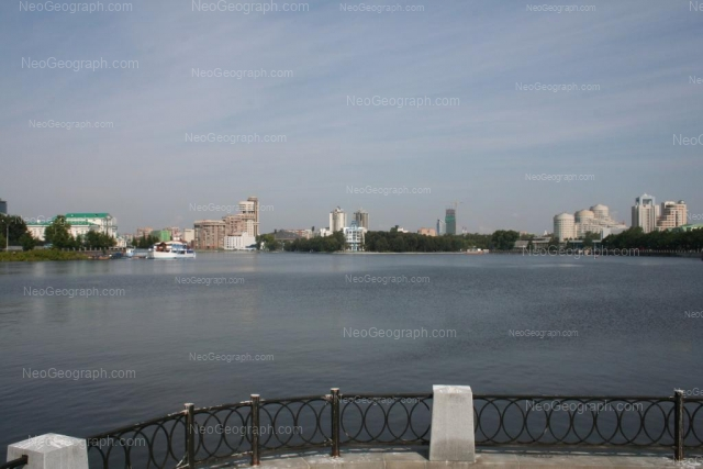 Address(es) on photo: Rabochey molodezhi embankment, 3, 4, Yekaterinburg