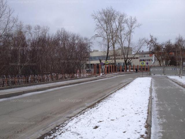 Адрес(а) на фотографии: улица Колмогорова, 68, 70, Екатеринбург