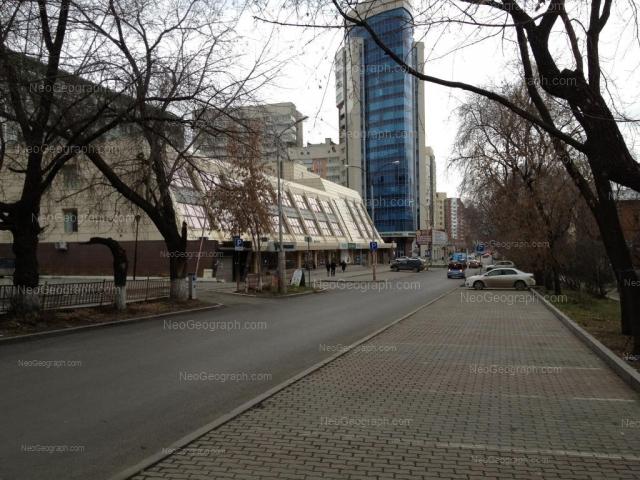 Адрес(а) на фотографии: улица Хохрякова, 74, 98, Екатеринбург
