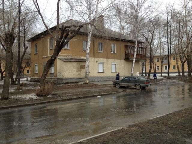 Адрес(а) на фотографии: улица Энтузиастов, 16, 17, 19, Екатеринбург