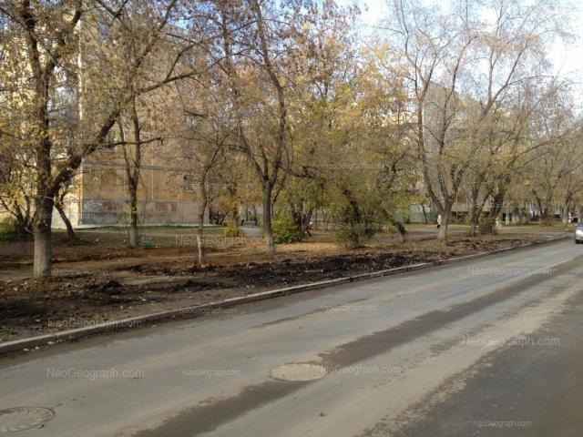 Адрес(а) на фотографии: улица Зои Космодемьянской, 48, 49, Екатеринбург