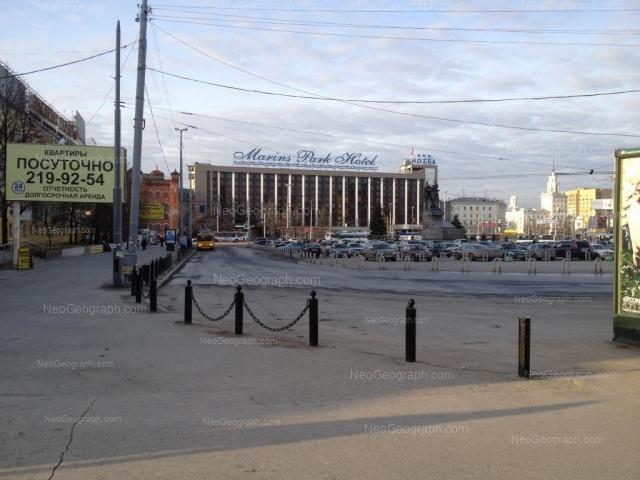 Адрес(а) на фотографии: улица Челюскинцев, 29, 102, 106, Екатеринбург
