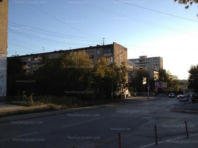 Адрес(а) на фотографии: улица Азина, 17, 21, Екатеринбург