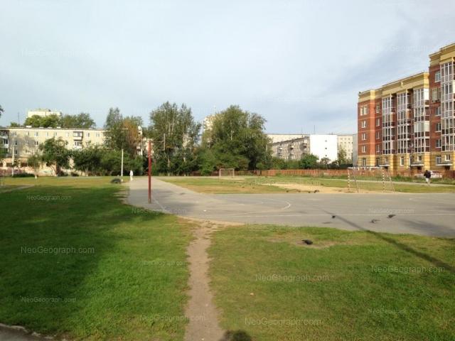 Адрес(а) на фотографии: улица Викулова, 33/2, 35/4, Екатеринбург