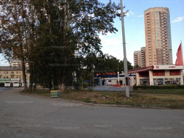 Адрес(а) на фотографии: улица 8 Марта, 179В, 179Г, 181/2, 183А, Екатеринбург