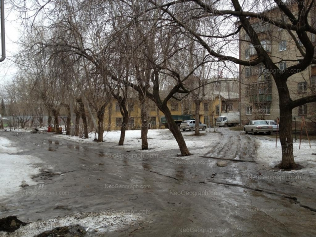 Адрес(а) на фотографии: улица Энтузиастов, 8, Екатеринбург