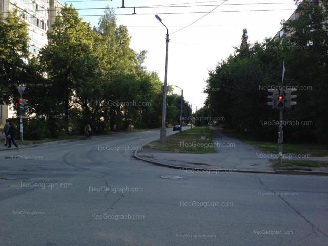 Адрес(а) на фотографии: улица Индустрии, 57/1, 62, Екатеринбург