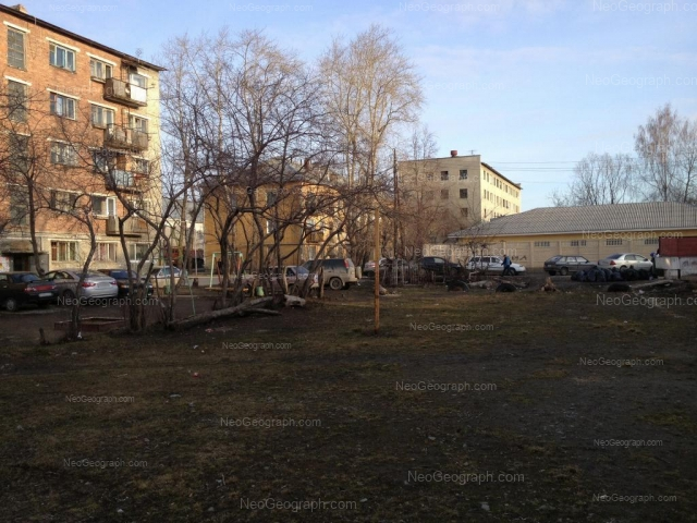 Адрес(а) на фотографии: Выездной переулок, 4, 4А, 6, 8А, Екатеринбург