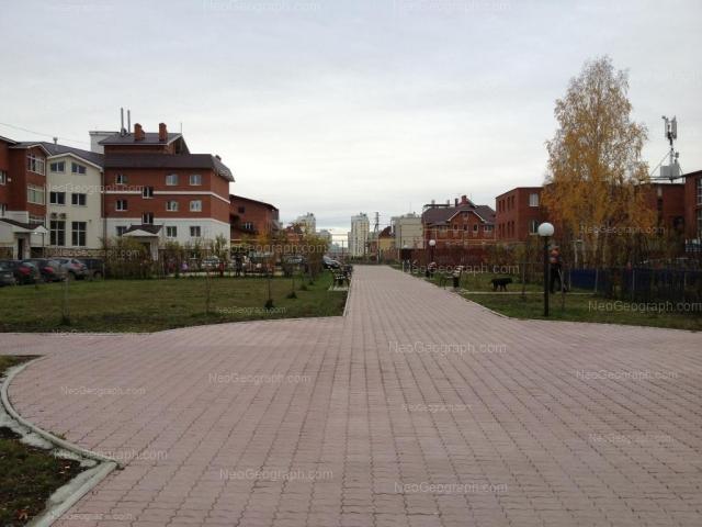 Адрес(а) на фотографии: улица Барвинка, 14, 16, Екатеринбург