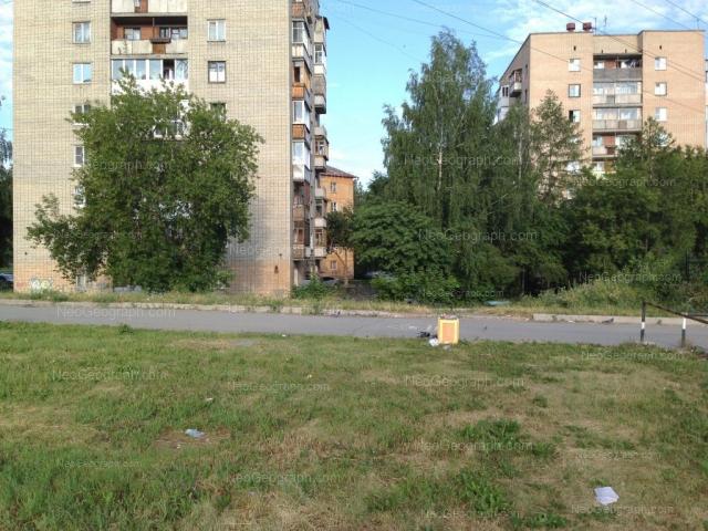 Адрес(а) на фотографии: проспект Космонавтов, 33, 35, Екатеринбург