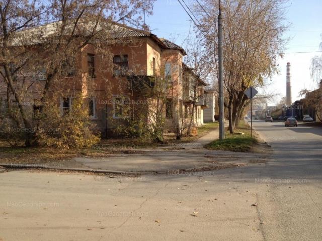 Адрес(а) на фотографии: улица Альпинистов, 49, 51, Екатеринбург