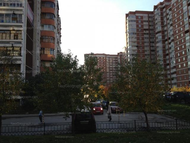Адрес(а) на фотографии: улица Академика Шварца, 8 к1, 10 к1, 10 к3, Екатеринбург