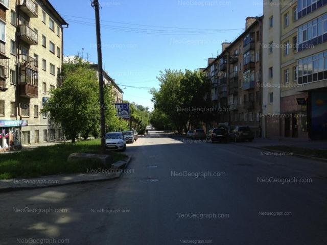 Адрес(а) на фотографии: улица Попова, 24, 25, 27, Екатеринбург