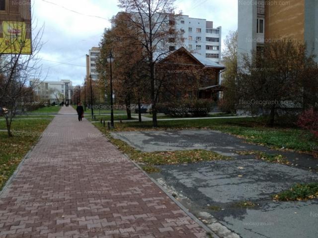 Адрес(а) на фотографии: улица Сакко и Ванцетти, 18, 28, Екатеринбург