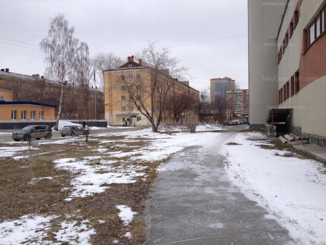 Адрес(а) на фотографии: улица Колмогорова, 62б, 64, 68, 70, Екатеринбург