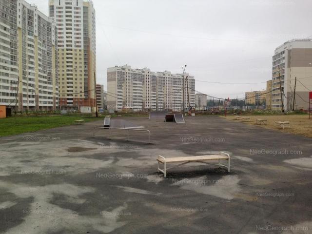 Адрес(а) на фотографии: Совхозная улица, 8, Екатеринбург