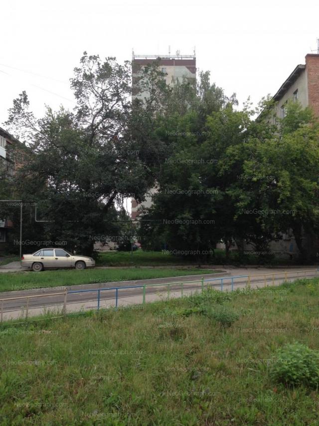 Адрес(а) на фотографии: проспект Космонавтов, 78, 78Б, Екатеринбург