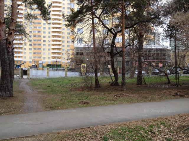 Адрес(а) на фотографии: улица Шейнкмана, 111, Екатеринбург