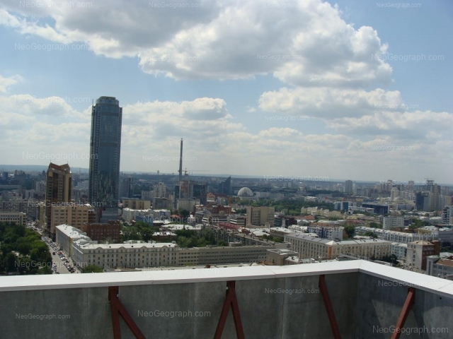 Адрес(а) на фотографии: проспект Ленина, 40, 46, 49, Екатеринбург