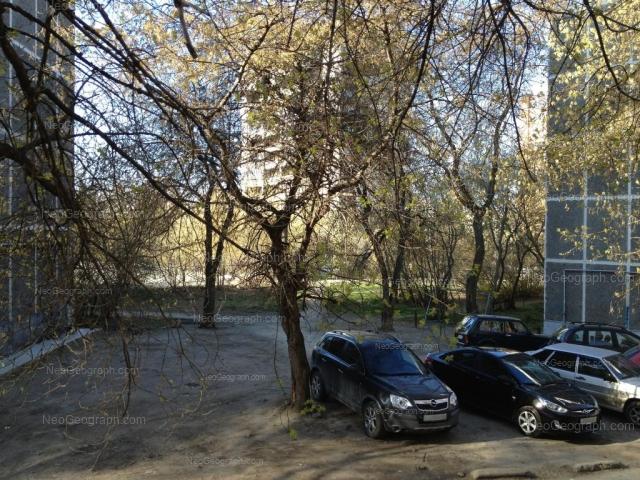 Адрес(а) на фотографии: улица Пальмиро Тольятти, 15Б, 15Г, Екатеринбург