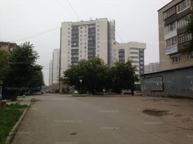 Адрес(а) на фотографии: улица Красных Командиров, 17, Екатеринбург