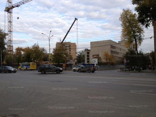 Адрес(а) на фотографии: улица Азина, 40, 48, Екатеринбург