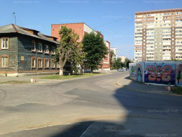 Адрес(а) на фотографии: улица Красных Борцов, 12, Екатеринбург