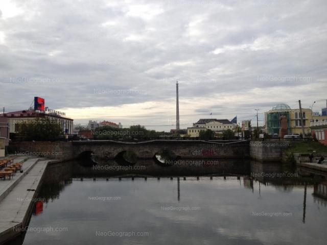 Адрес(а) на фотографии: улица Добролюбова, 3, Екатеринбург