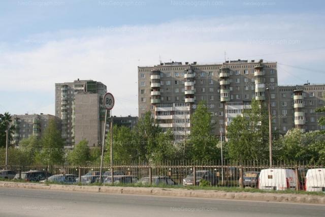 Адрес(а) на фотографии: улица Крестинского, 21, 23, 25, 31, Екатеринбург