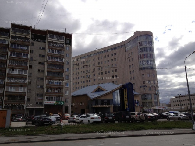 Адрес(а) на фотографии: улица Фурманова, 113, 117, Екатеринбург