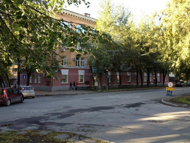 Адрес(а) на фотографии: Первомайская улица, 72, 74, Екатеринбург