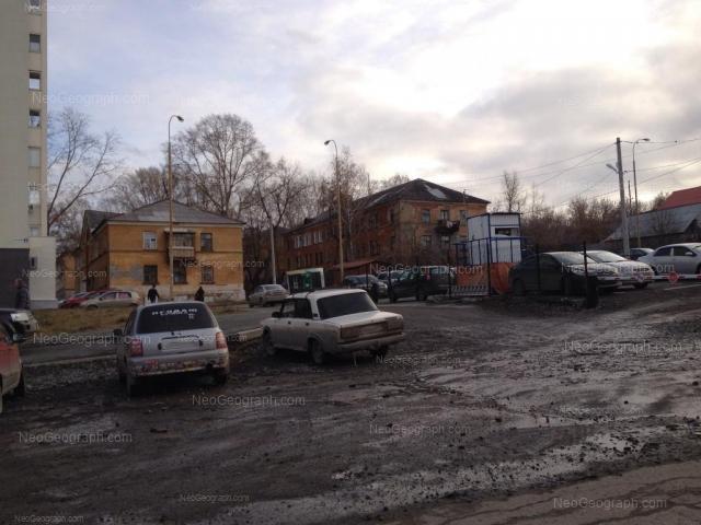 Адрес(а) на фотографии: улица Гастелло, 3, 19В, 19Г, Екатеринбург