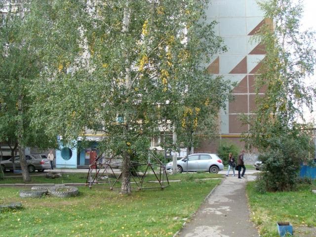 Address(es) on photo: Denisova-Uralskogo boulevard, 7, 9, Yekaterinburg