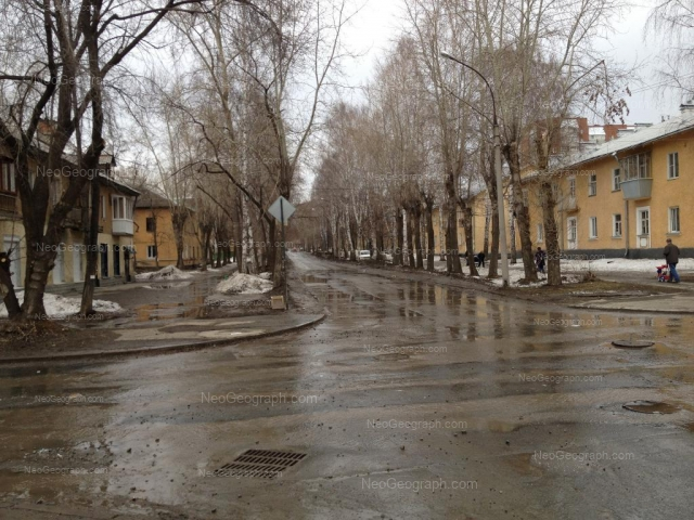 Адрес(а) на фотографии: улица Энтузиастов, 16, 17, 18, 19, Екатеринбург