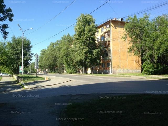 Адрес(а) на фотографии: улица 40-летия Октября, 9, Екатеринбург