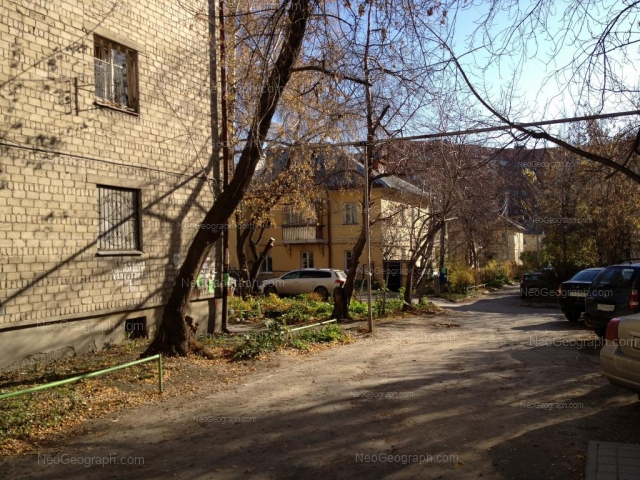 Адрес(а) на фотографии: улица Большакова, 3, Екатеринбург