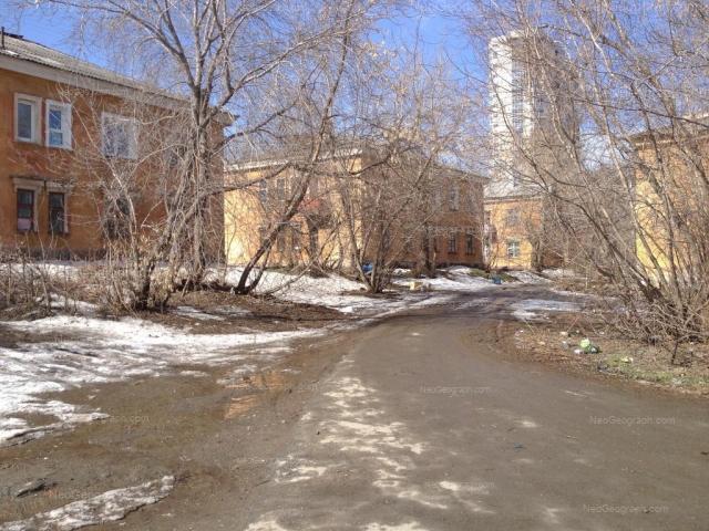Адрес(а) на фотографии: улица Папанина, 19, 21, 23, 25, Екатеринбург